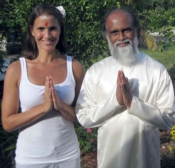 Hilary Phelps with her yoga guru Yogi Hari